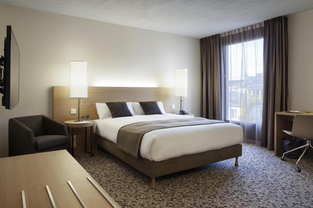 pullman bedroom
